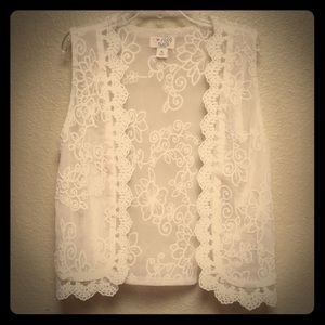 Children's Place White Lace Vest, Size M 7/8